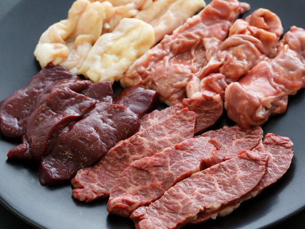 I'S MEAT SELECTIONのホルモン、ハラミ、レバー、小腸、赤センマイ