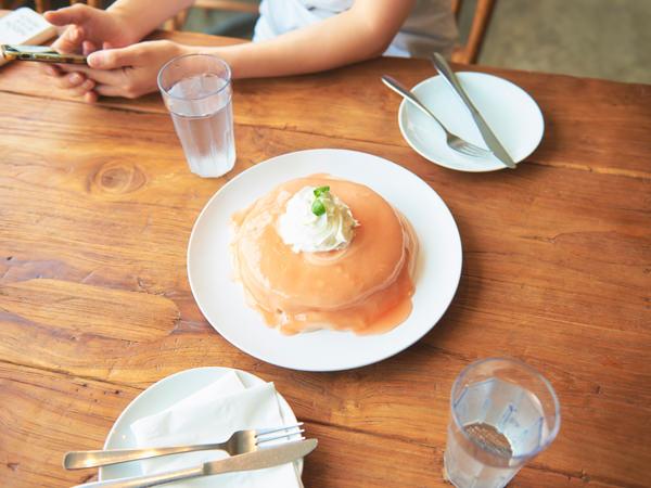 シナモンズのグァバソースパンケーキ