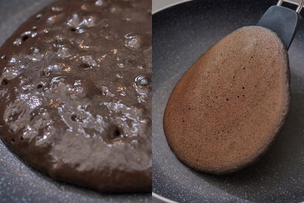 パンケーキの生地の表面に気泡が出ている様子、フライで片面が焼きあがったパンケーキを返す様子