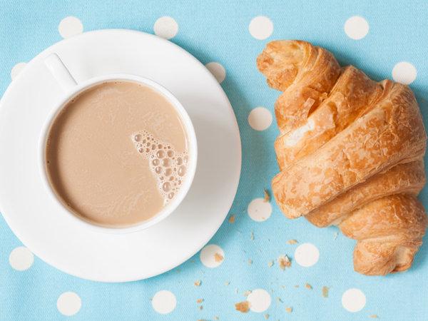 フランスの朝食のイメージ