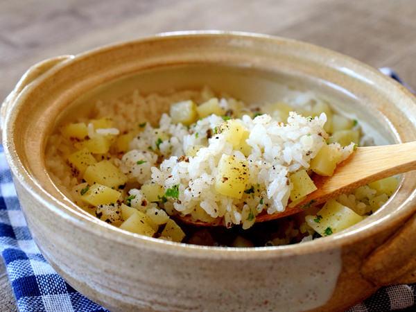 クミンが香る、ジャガイモとアンチョビの炊き込みご飯