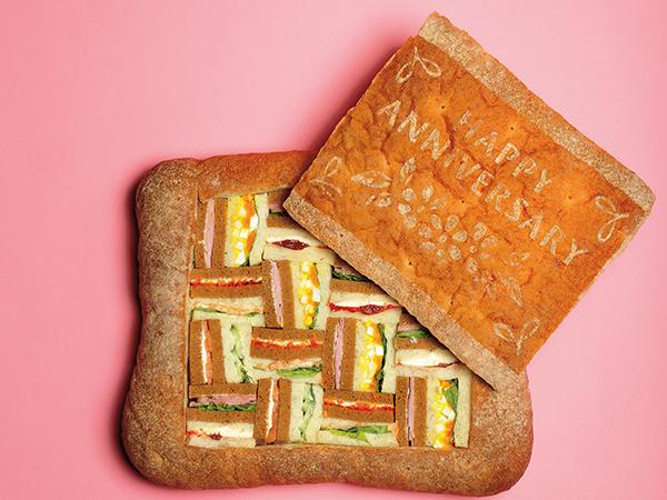 イッツ サンドイッチ マジックのアニバーサリーシュープリーズ