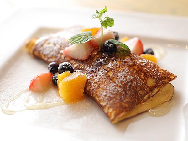 LADIES&GENTLEMENのチーズスフレパンケーキ はちみつとフルーツ添えのイメージ