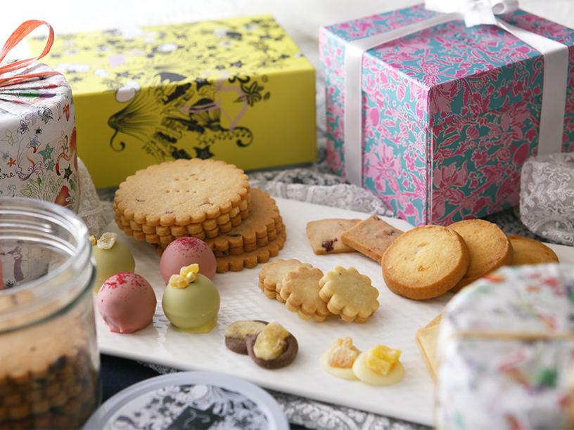 リーポールのクッキーなどのお菓子とパッケージ