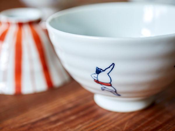 お相撲さんが描かれた茶碗