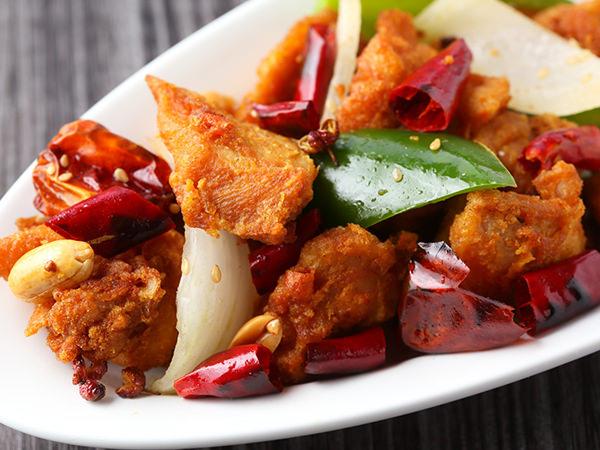 中国飯店 富麗華の鶏肉の四川風唐揚げ