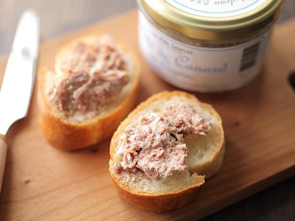 コンサーヴァリ・デ・ミル・ソースのカモ肉のパテ