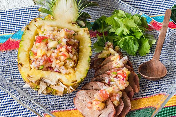 サルサ・デ・ピーニャと豚肉
