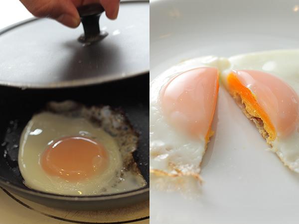固焼きの目玉焼きを作っているところ、完成した固焼き目玉焼き