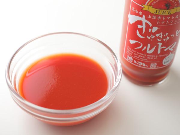 トマトジュースの中身と瓶