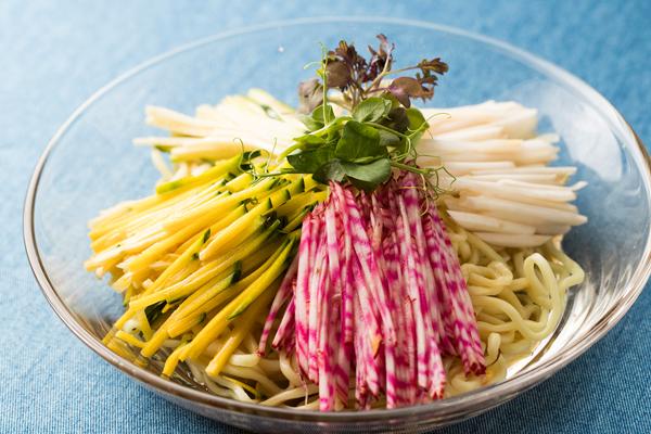 せん切り野菜の冷やし中華