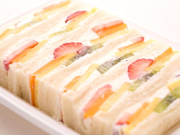 日本橋 千疋屋総本店のフルーツサンドイッチ