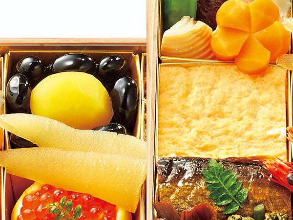 那須高原の宿 山水閣の二段重より、黒豆と厚焼き玉子