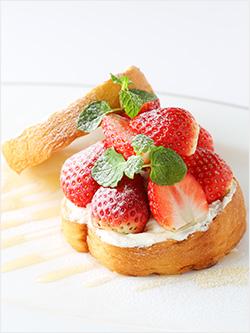 ザ・スタンドの苺のフルーツサンド