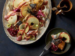 【レシピ】フルーツでごちそう! りんごが主役のおもてなし料理