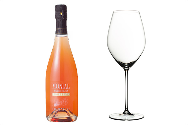 (左)モニアルのロゼ ドゥミ・セック、(右)リーデルのヴェリタスシリーズ シングルパック シャンパーニュ・ワイン・グラス