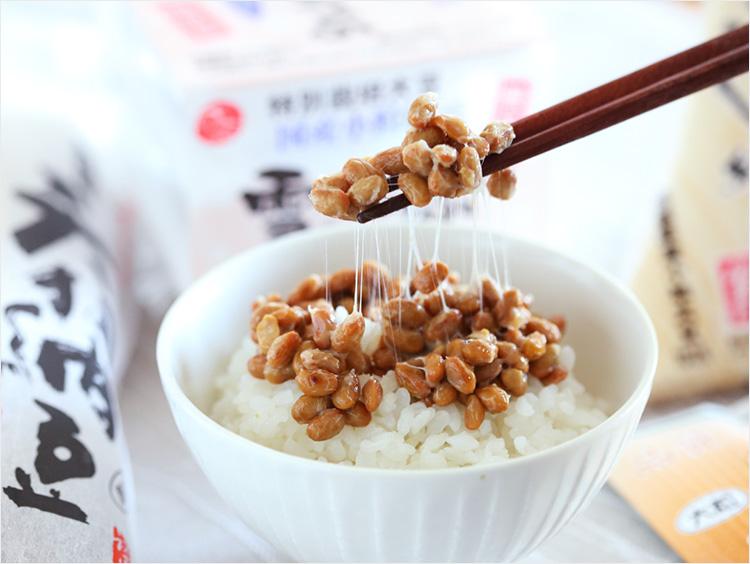納豆ごはんと納豆4種のパッケージ