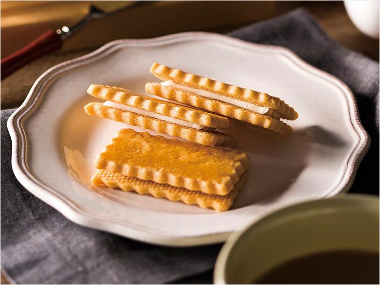 ヨックモックのバターリッチ クリームサンドクッキー