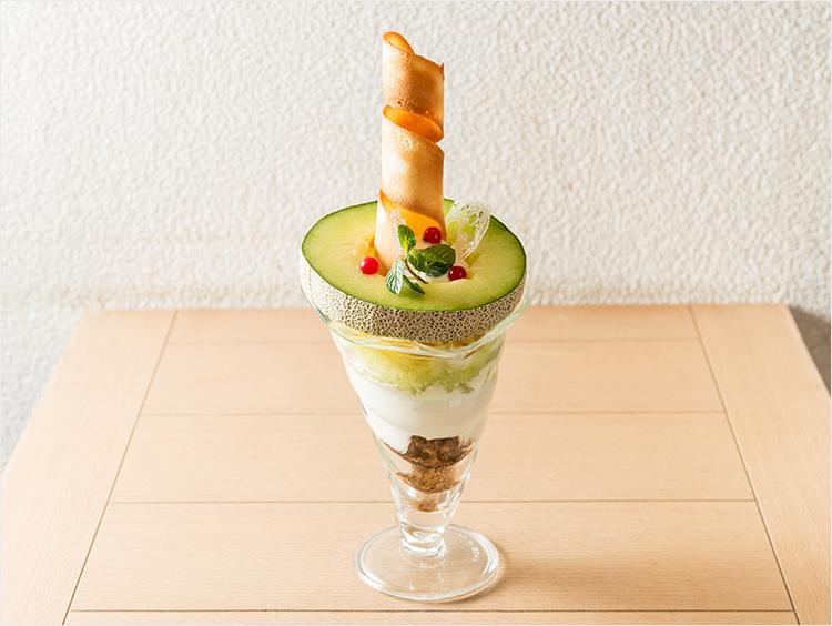 <HATAKE CAFÉ>鉾田産イバラキングの贅沢メロンパフェ