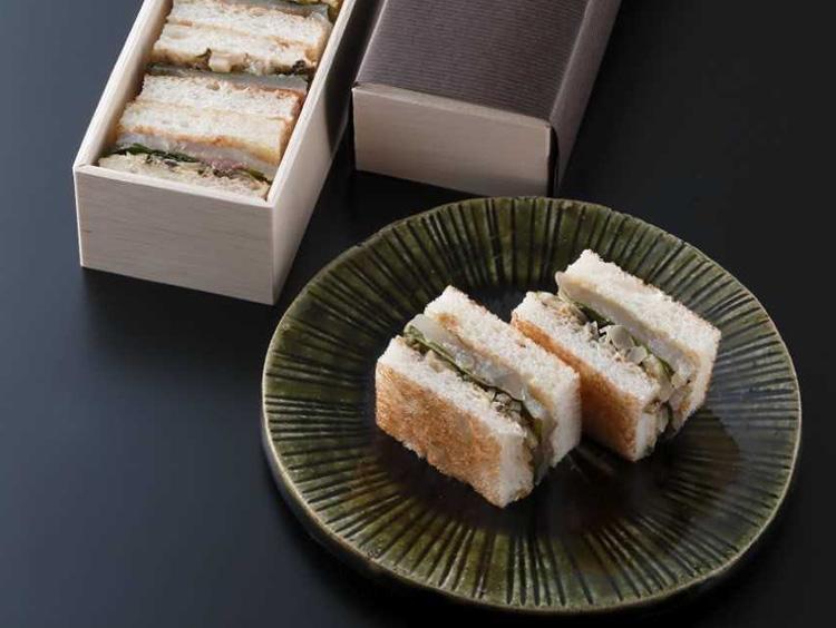 <紫野和久傳>鯛サンド 1,944円(税込み)
