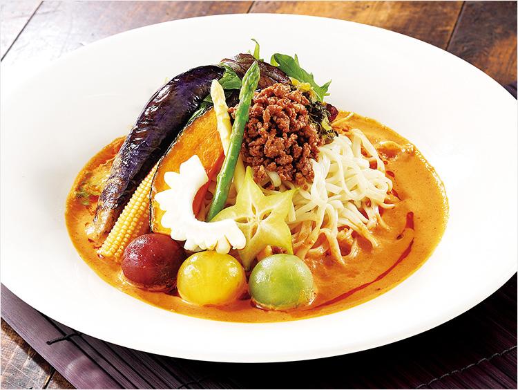 <ベジチャイナ 南国酒家>コラーゲン入り麺の彩り野菜冷やし担々麺