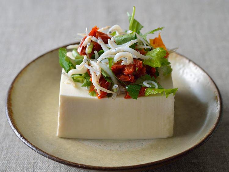 豆腐アレンジ セミドライトマト×三つ葉×しらす