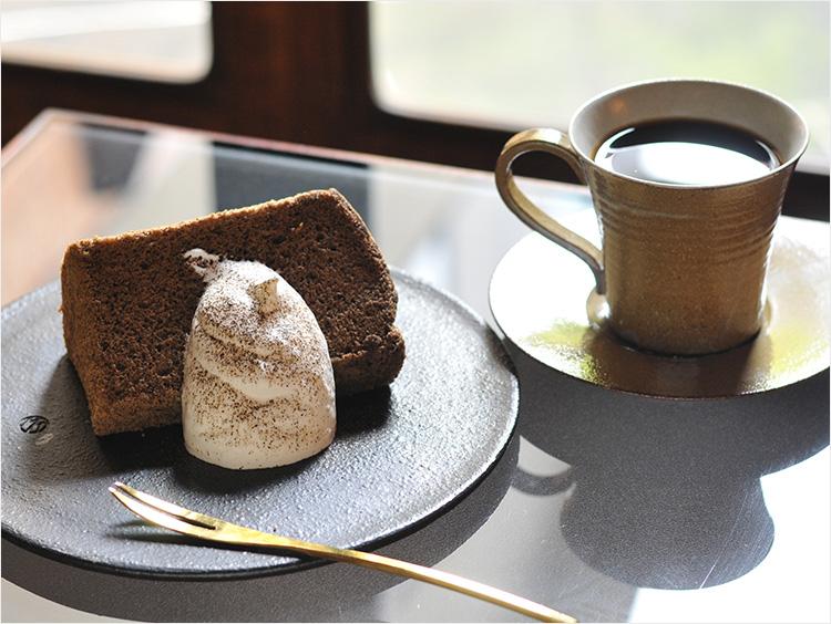 <京都・村上開新堂>ほうじ茶のシフォンケーキ 701円(税込)