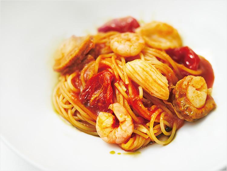 <アボカル・ドゥエ クチーネ>魚介のトマトのスパゲッティーニ イタリアンパセリのオイル添え 1,901円(税込)