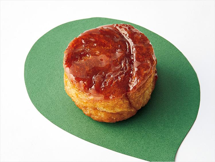 <エディアールベーカリー>国産全粒粉とりんごのクイニーアマン