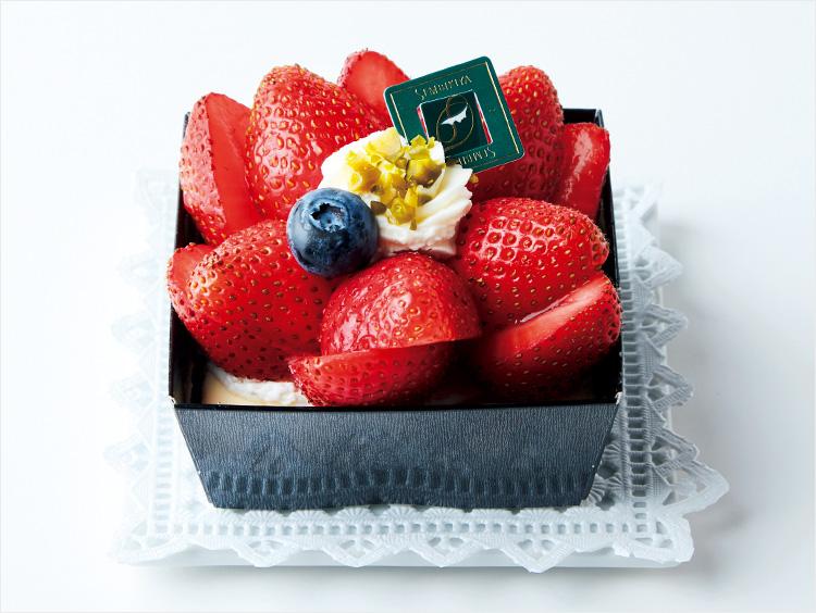 <日本橋 千疋屋総本店>ストロベリーチーズケーキ