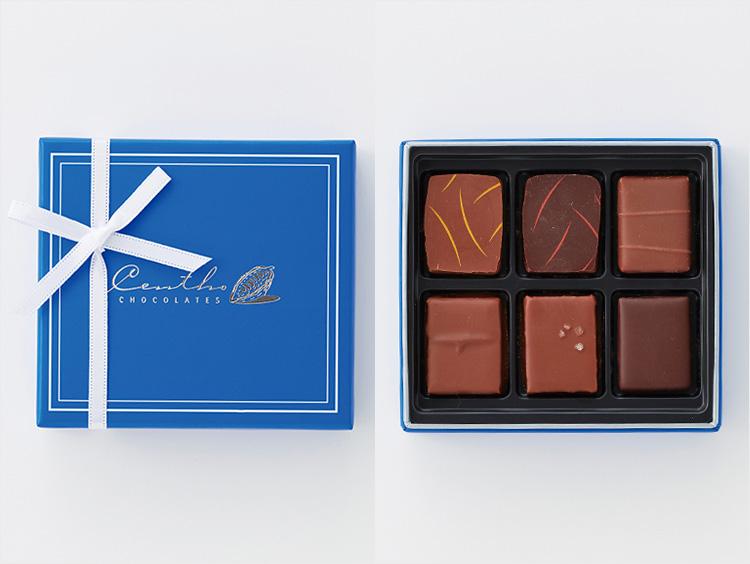 青い箱に入ったチョコレート