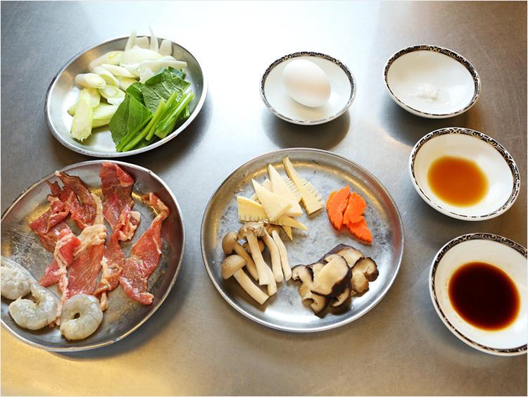 中華丼の材料