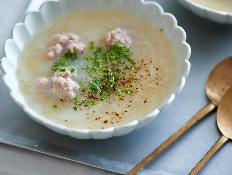 すりおろし長芋と豚ひき肉のエスニックスープ