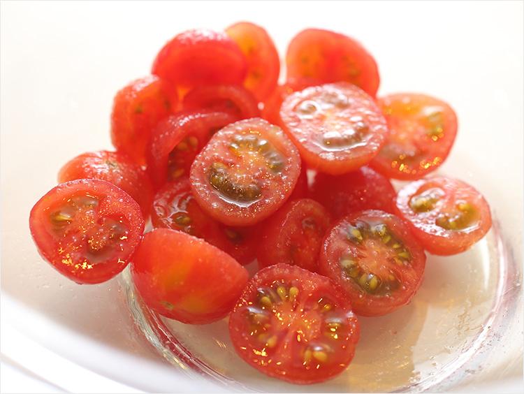 切り終わったミニトマト
