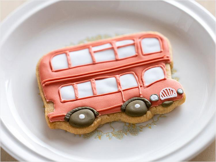 ロンドンバスのアイシングクッキー