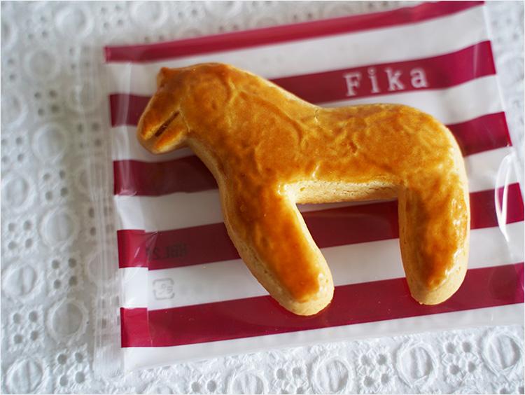 フィーカの幸運を運ぶ馬の形のダーラナホースクッキー