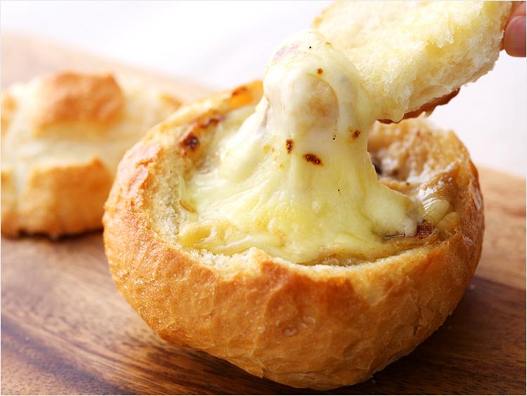 おうちでリベイクでとろ~り&香ばしい! 冬においしい温めパン4選の画像