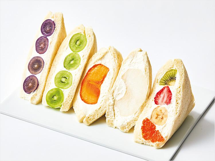 <茶而茶今>季節フルーツまるかじりサンドイッチ