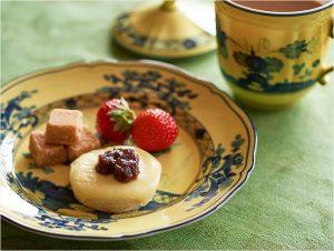 【プロが解説】ひとりでも楽しめる英国式アフタヌーンティー。食器選び、紅茶の淹れ方、フードも解説!